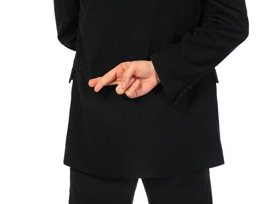 rsz_bigstockphoto_businessman_with_fingers_cross_5051823-thesmartmama-dot-com