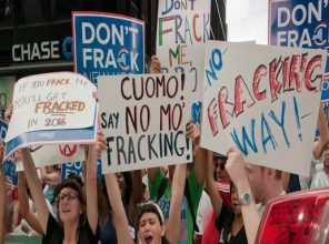 Anti-fracking protesters outside Governor Andrew Cuomo's policy summit in 2012. (Photo: Credo Action/cc/flickr)
